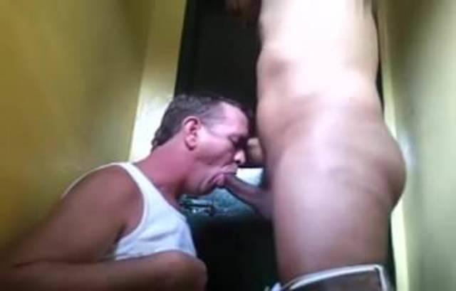 gay mature amateur restroom sucking