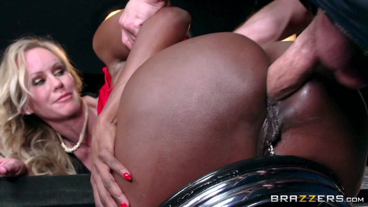 Free download & watch bartender with a big dick gets all the pussy xhnoWrz porn movies