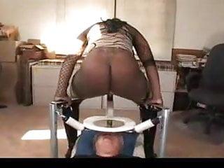 Ebony shemale facesitting tube Ebony mistress facesittingfreak