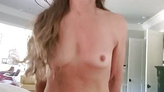 CHEATING MARRIED SLUT - I LOVE TO RIDE DADDY'S BIG THICK COCK