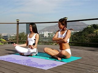 Teen class about fellowship Alina li and veronica rodriguez - my first yoga class