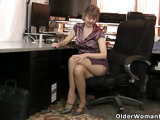 Julia foster nude American milf jamie foster gets turned on in pantyhose