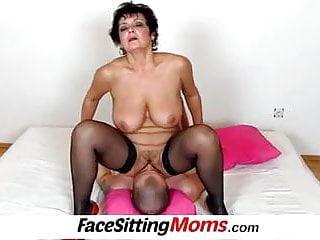Sitting moms face forums.proletariat.com
