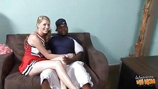 67 yo GILF Erica Lauren wird in der Küche gefickt und ins Gesicht geschmiert