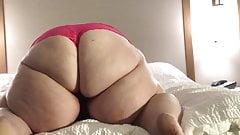 SSBBW Instagram Model Twerking On Bed