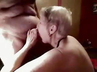 Naked men havin sex - Mom janet havin her mature mouth filled