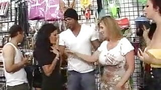 7H33  Gianna Michaels big boobs  FFM+FFFM+FFFFFM+ bonus comp