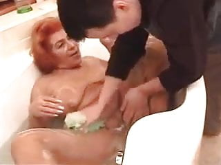 Mature women in tub Saggy tits redhead granny fucked in tub