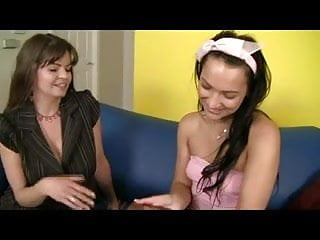 Au pair sex love - Milf with au pair girl
