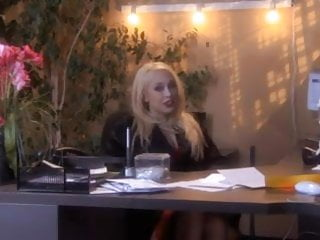 Erotic diary of an office - Secret diary of a secretary - part 1