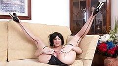 Babe Tracy Rose wanks in seam pantyhose panties high heels