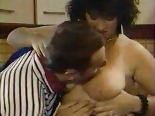 Free french porn classic Les lolos de la garagiste full porn classic