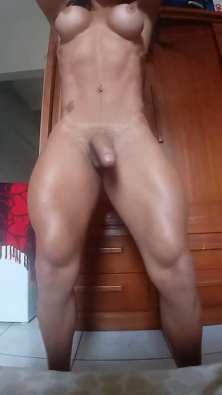 Hot shemale pornstar amanda lima masturbating her big dick