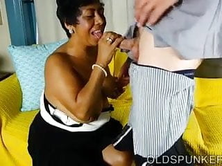 Chubby black women pics - Chubby black mature babe is such a hot fuck