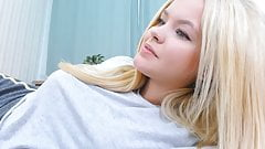 Gorgeous Blonde in Cam Show part 1