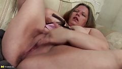 Sexy real mothers with big tits and wet cunts
