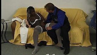 Candy, schwarze Perle aus Jamaika im Retro Casting