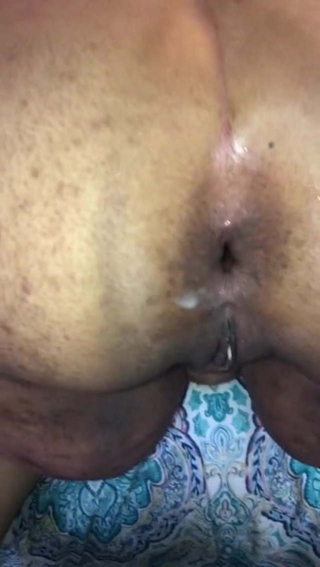 Amateur Ebony Jiggly Booty
