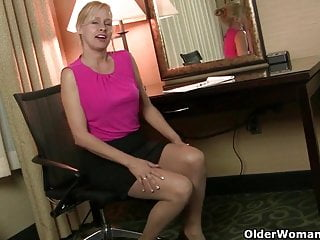 Amateur nylon fetish Milfs payton leigh and lilli cant hide their nylon fetish