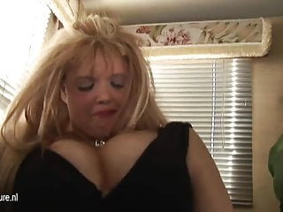 Sucking sister breasts - Big breasted blonde mature mom fucking and sucking