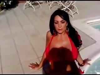 Famosa actris porno colombiana Zoccola famosa in piscina...