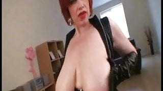Beauty mom with amazing giaant boobs!