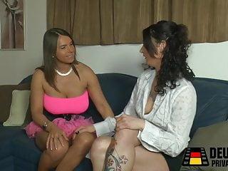 Gravion zwei sexy - Zwei lesben mit dem dildo