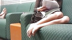 Candid Feet: Hot Chick Studying
