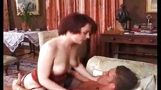 brunette milf lovely ass is assfucked on couch anal troia bello duro per bene in fondo al culo e spa