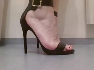 New kinky sex ideas My kinky analwhore showing off her new heels