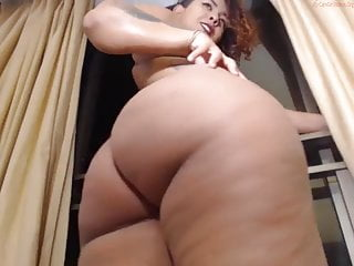 Thick ass blonde girl squirting Who is this fine ass thick big booty latina