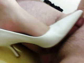 Alcohol for a hairy buffalo Buffalo white pointy heels - size 40