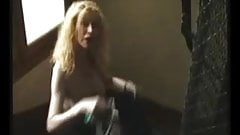 Marie-The mature French salope dans l'escalier