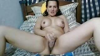 Horny mature lady webcam