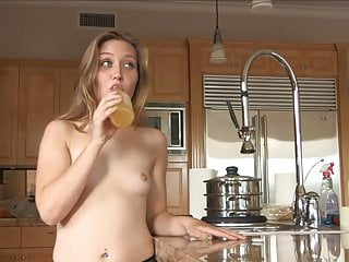 Brianna bank fuck - Brianna fucks herself with a bottle