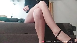 Vends-ta-culotte - French Babe Mistress For Dog Slaves