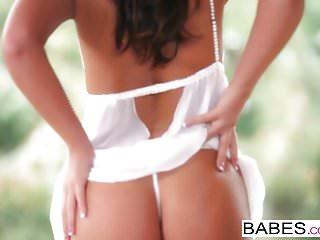 Lick clip Babes - bronze goddess starring tiffany brookes clip