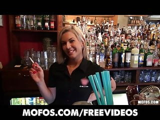 Apparpment for sex - Public pickups - gorgeous blonde bartender paid for sex