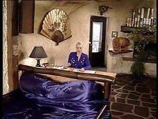 Lady asmondena fisting - Colette sigma old lady