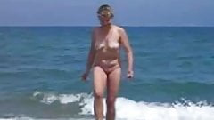 She masturbates in public on the beach