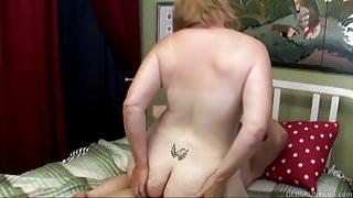 Super cute chubby oldspunker loves 2 fuck & the taste of cum