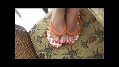 com on post toe sandals