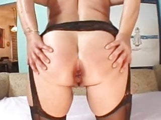 Naked over 40s women pics - Sexy over 40s milf lizzy - tight ass hole