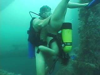 Scuba in gay sex Deep scuba threesome - part 2