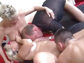 Swinging couples fucking hard - Mature swinging couples have fun
