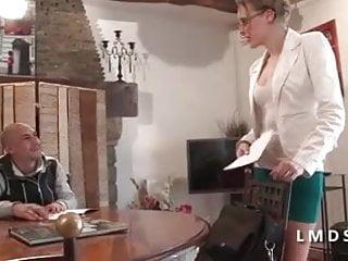 Des chaines tv du porno Il defonce le cul de sa prof cougar dans la maison du sexe