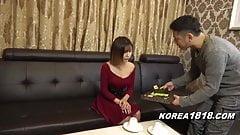 Une modèle coréenne sexy se fait draguer par un con japonais