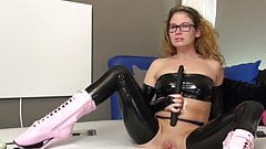 Deepthroating Double Dildo & Squirting in Latex