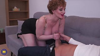 Busty mature stepmom makes bad coffee but good sex