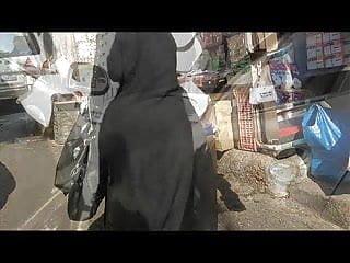 Candid blqck street bbw blogspot - Candid arab ass - big butt - street voyeur - mature booty